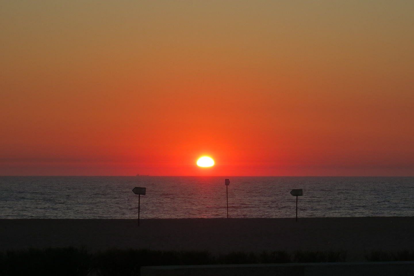 Sunset over the Atlantic ocean: moments that will stay in your heart forever!